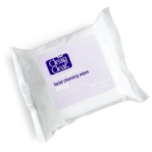 I'm Loving This… Clean & Clear Makeup Dissolving Facial Cleansing Wipes
